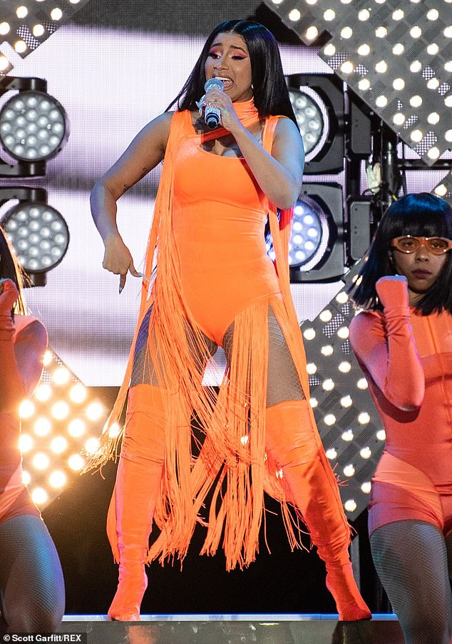 Cardi B Gives A Fan Free Cardi Tickets Forever For: Cardi B Jumps Off The Stage To Twerk With Fans